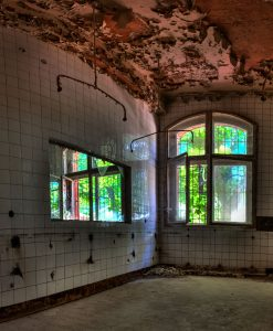 Room with internal and external windows in a Beelitz kitchen building